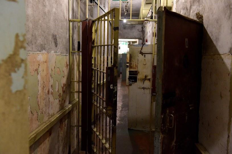 """Piwnice """"Domu na rogu"""". To tu KGB przetrzymywało więźniów politycznych /AFP"""