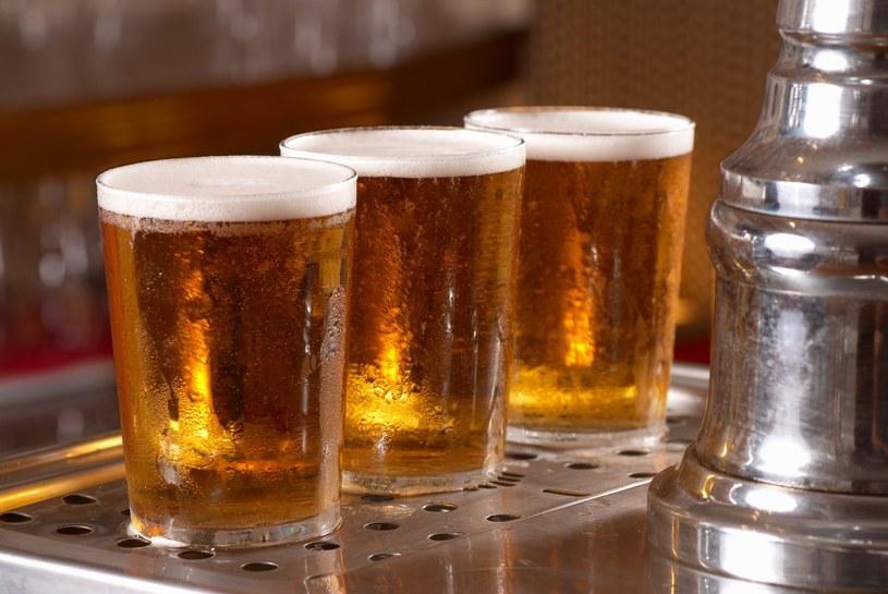Piwo jest bogate w witaminy, ale trzeba spożywać je z umiarem /123RF/PICSEL