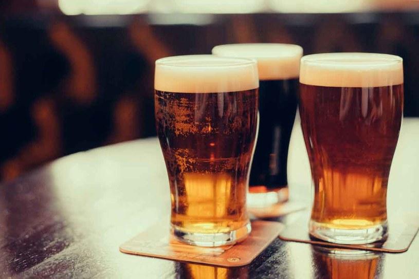 Piwo nie rozpuści kamieni w nerkach /123RF/PICSEL