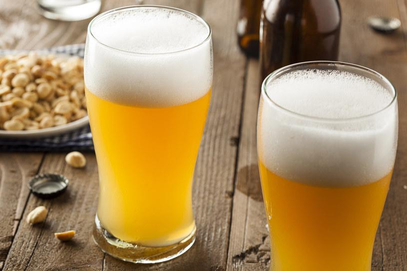 Piwo nie rozpuszcza kamieni /123RF/PICSEL