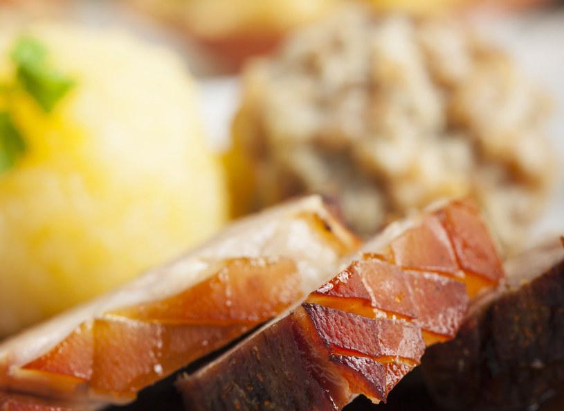 """Piwo """"podkręci"""" smak i aromat mięsa /123RF/PICSEL"""