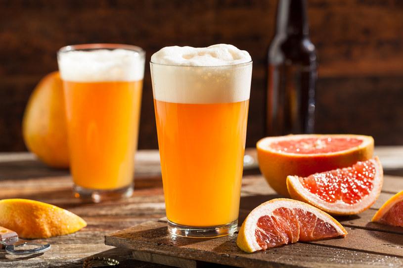 Piwo powinno być pite w odpowiednich ilościach /123RF/PICSEL