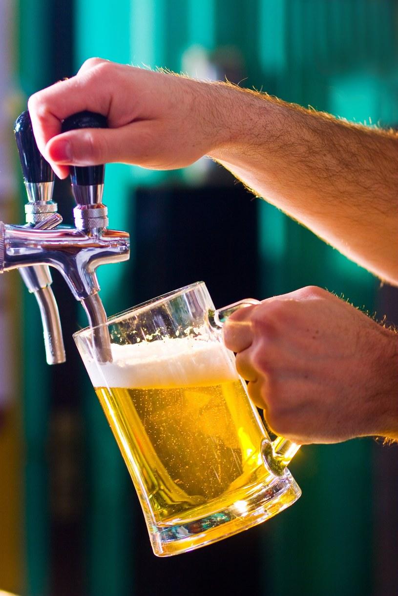 Piwo to najlepszy przyjaciel mężczyzny. Takie prezenty też cieszą /123RF/PICSEL