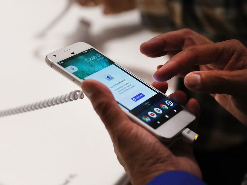 Pixel to pierwszy smartfon brandowany tylko logiem Google /AFP