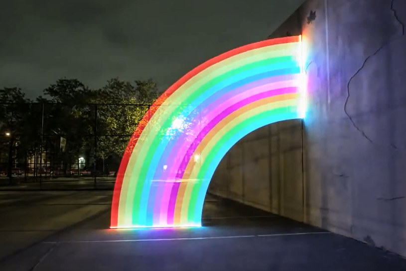 Pixelstick pozwala malować światłem. /materiały prasowe