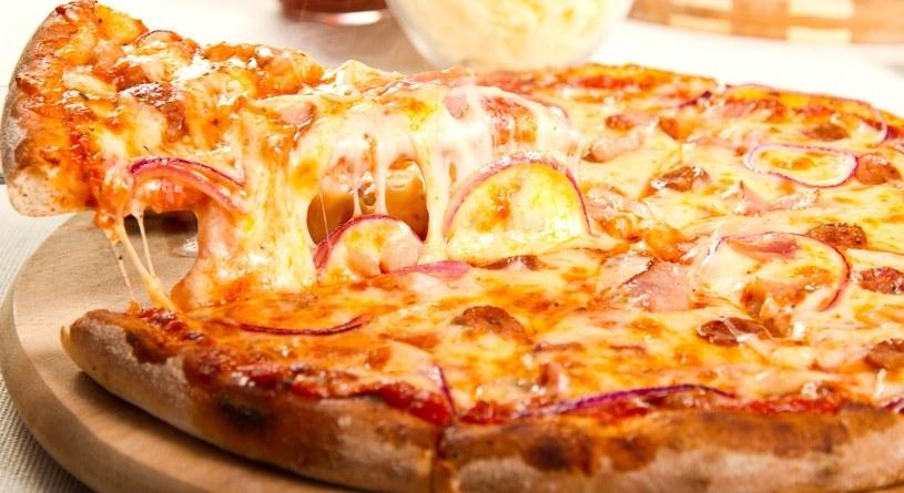 Pizza jest bardzo sycąca /©123RF/PICSEL
