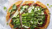Pizza kalafiorowa ze szparagami