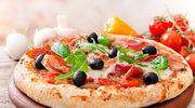 Pizza mięsna z papryką i porem