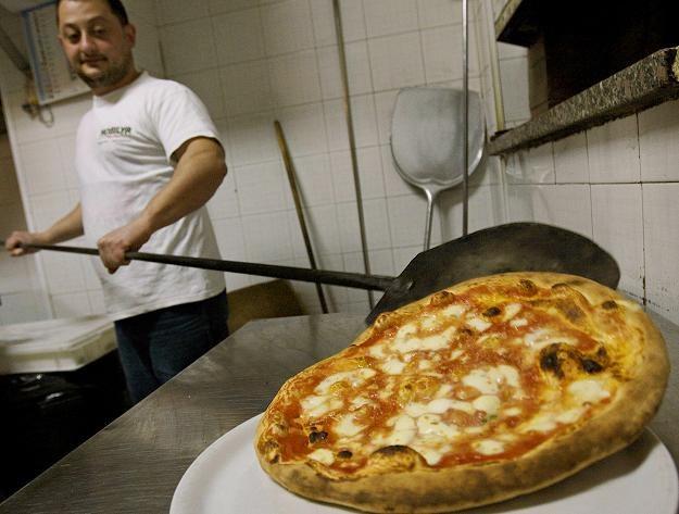 Pizza neapolitańska /AFP