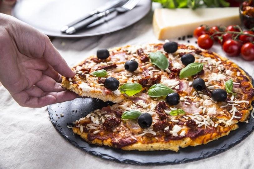 Pizza z oliwkami /materiały prasowe