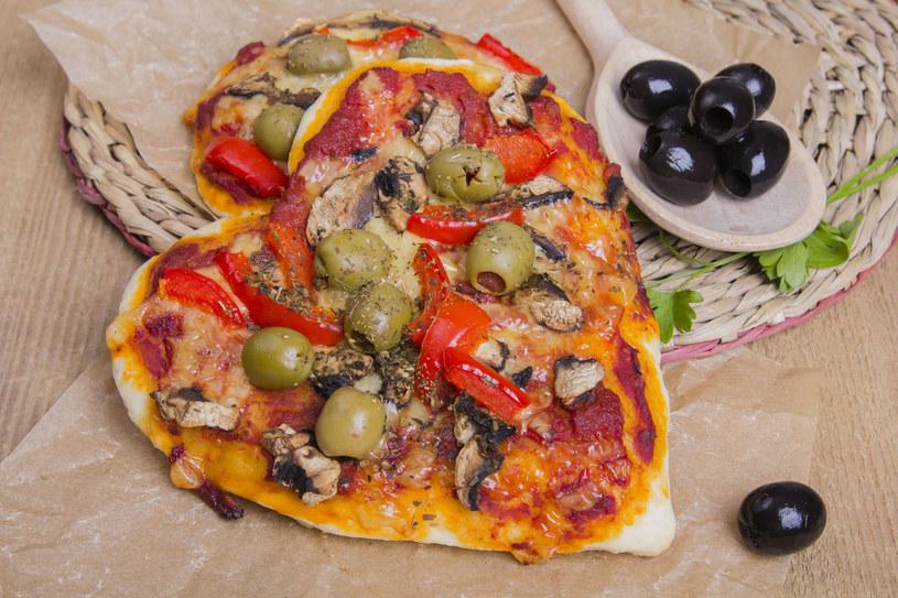 Pizza z oliwkami /123RF/PICSEL
