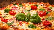 Pizza z szynką i pomidorkami cherry