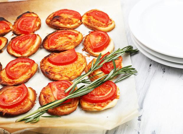 Pizzette możesz udekorować według własnego uznania /123RF/PICSEL