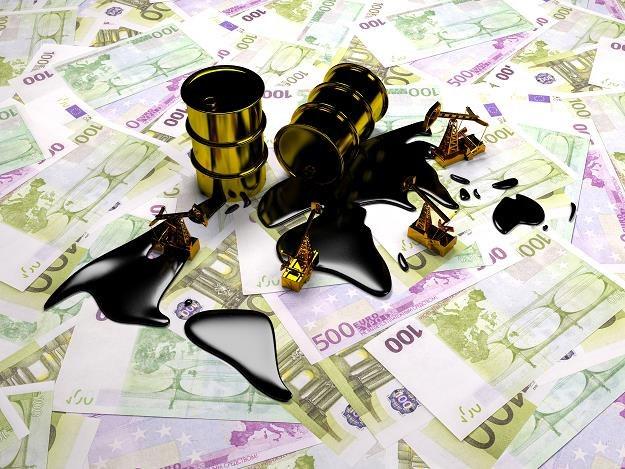 PKN Orlen kupił 130 tys. ton ropy naftowej z ZEA /©123RF/PICSEL