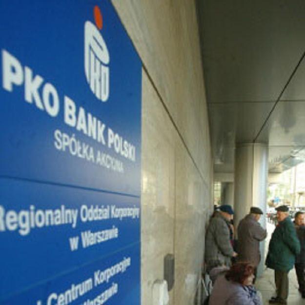 PKO Bank Polski zmienia politykę dywidendową /AFP