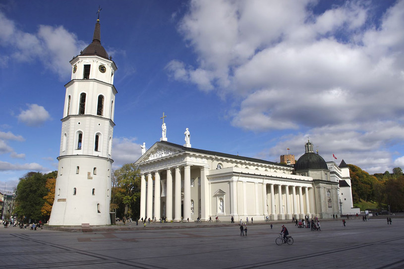 Plac Katedralny w Wilnie /123RF/PICSEL