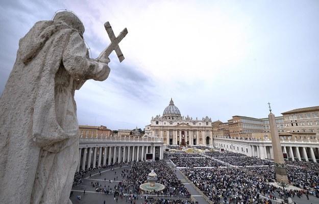 Plac św. Piotra w Watykanie /Stefano Spaziani /PAP/Newscom