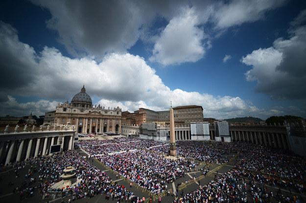 Plac Świętego Piotra w Watykanie /AFP