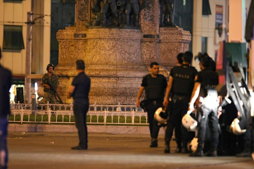 Plac Taksim w Stambule /TOLGA BOZOGLU /PAP/EPA