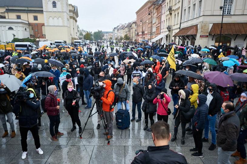 Plac Zamkowy. Protest branzy fitness w związku z zamknięciem klubow z powodu pandemii /Lukasz Szelag /Reporter