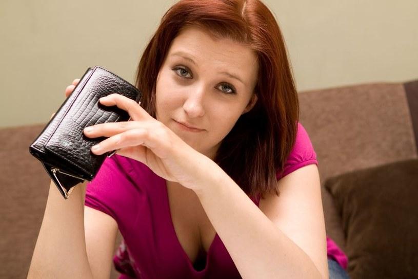 Płaca minimalna gwarantuje stawkę za godzinę? /123RF/PICSEL