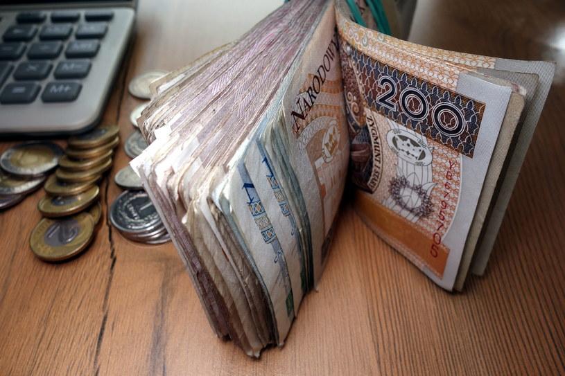 Płace w 2017 roku wzrosną o 5 procent /123RF/PICSEL