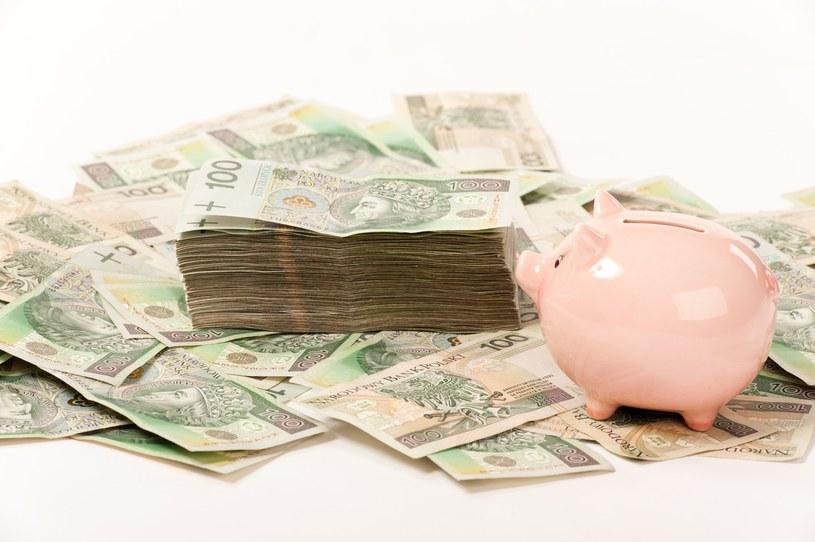 Płace w Polsce rosną ale nie każdemu /123RF/PICSEL
