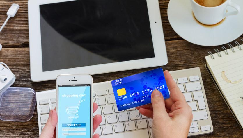 Płacenie kartą w internecie: Szybko, wygodnie i bezpiecznie