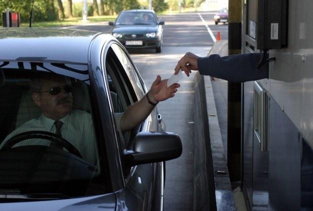 Płacenie za autostradę to wyższa sztuka /Kacper Pempel /Reporter