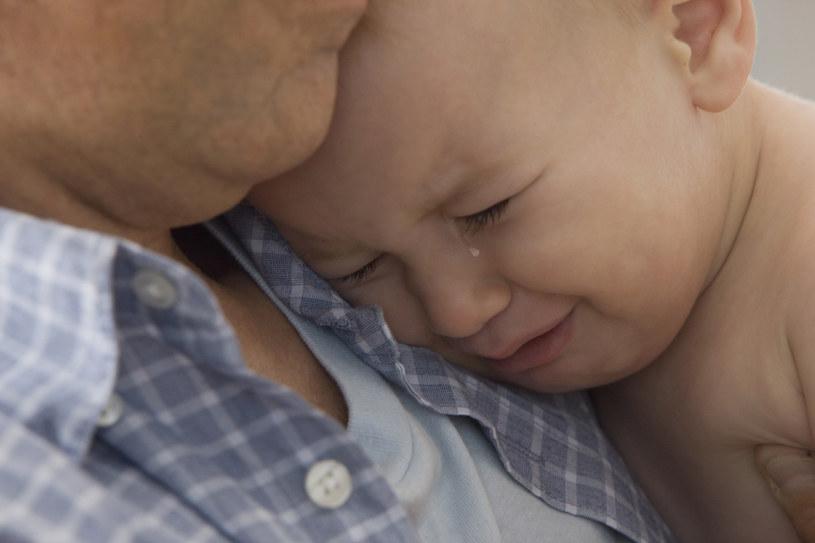 płacz dziecka powody /© Photogenica