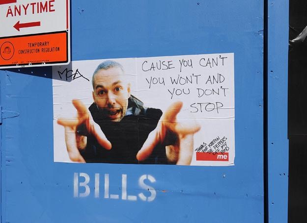 Plakat ku czci MCA na ulicy w Nowym Jorku - fot. Brad Market /Getty Images/Flash Press Media