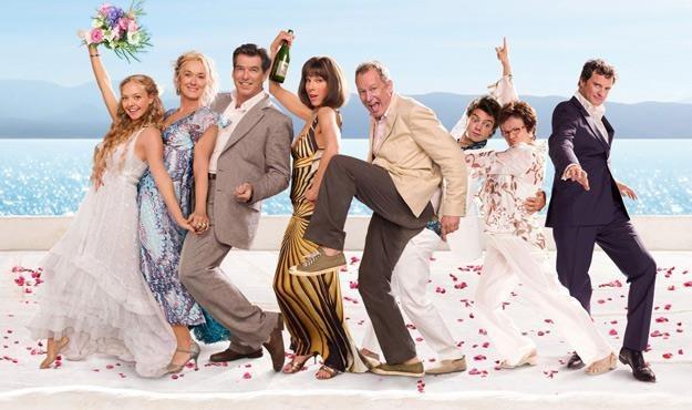 """Plakat promujący film """"Mamma Mia!"""" /materiały prasowe"""
