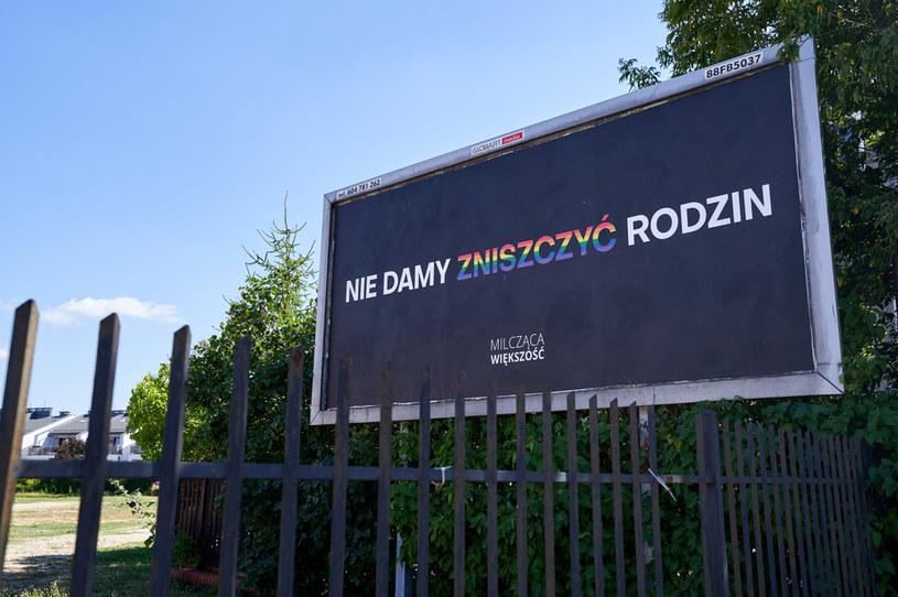"""Plakaty """"Milczącej Większości"""" w Białymstoku /Anatol Chomicz /Agencja FORUM"""