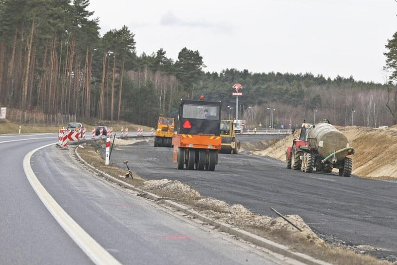 Plan budowy dróg wygląda pięknie i ambitnie /Piotr Jędzura /Reporter