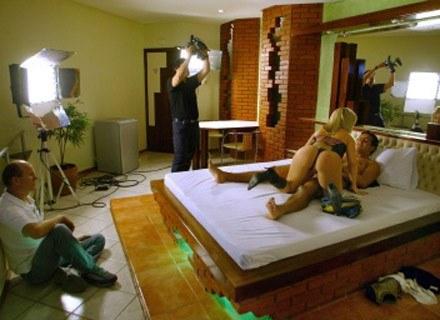 Plan zdjęciowy filmu erotycznego. Sao Paulo, 19 sierpnia 2004. /AFP