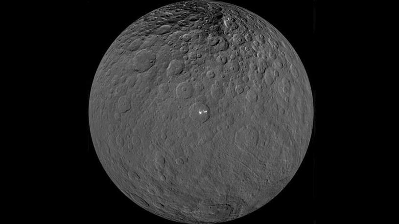 Planeta karłowata Ceres kryje jeszcze wiele tajemnic /NASA