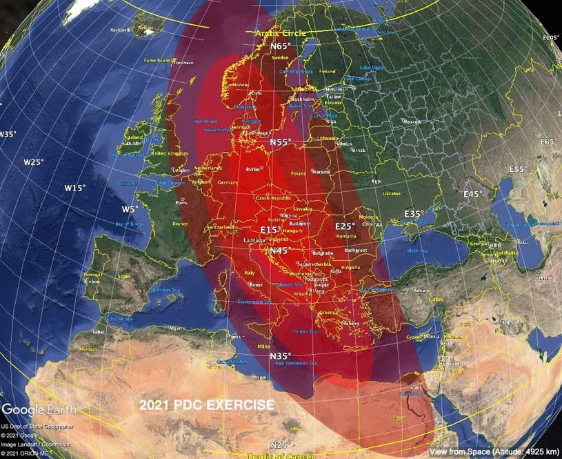 Planetoida 2021 PDC uderzy gdzieś w tym miejscu (zaznaczony na czerwono) - według symulacji NASA, Polska znajdzie się w polu rażenia /materiały prasowe