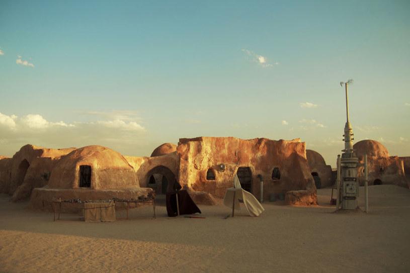 Planety podobne do filmowej Tatooine mogą być w kosmosie powszechne. /123RF/PICSEL