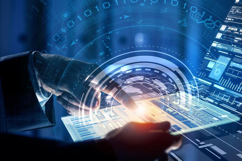 Planowane jest powstanie pierwsza w Polsce platforma oferująca ustandaryzowane usługi IT dla administracji publicznej. /123RF/PICSEL