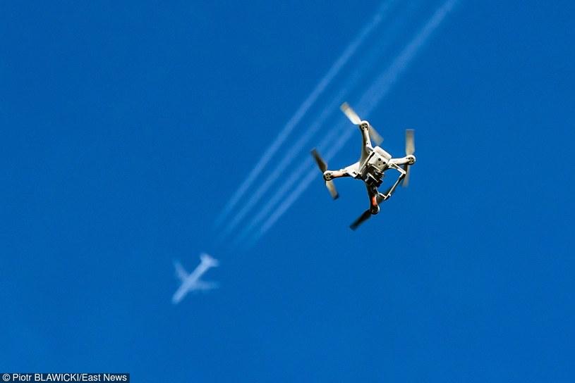 """""""Planowany zakup dronów ma na celu dalsze odizolowanie Europy od uchodźców"""" (zdjęcie ilustracyjne) /Piotr Bławicki /Reporter"""