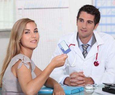 Planujesz urlop zagraniczny - sprawdź, jak się ubezpieczyć w związku z koronawirusem