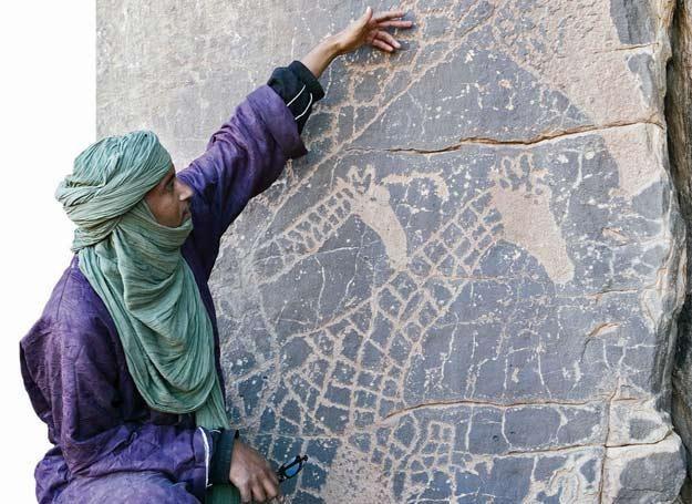 Płaskowyż Tasili Wan Ahdżar w Algierii cechuje wielkie bogactwo form sztuki naskalnej /Wiedza i Życie