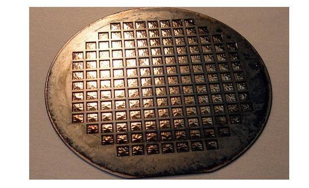 Plaster z membranami dla SOFC /kopalniawiedzy.pl