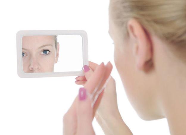 Plasterki to dobry sposób na wiele problemów ze skórą /123RF/PICSEL