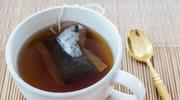 Plastik w szklance herbaty. Naukowcy ostrzegają