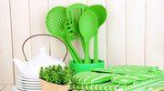 Plastikowe akcesoria kuchenne. Jak ich bezpiecznie używać?