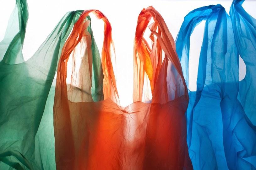 plastikowe torby /© Photogenica