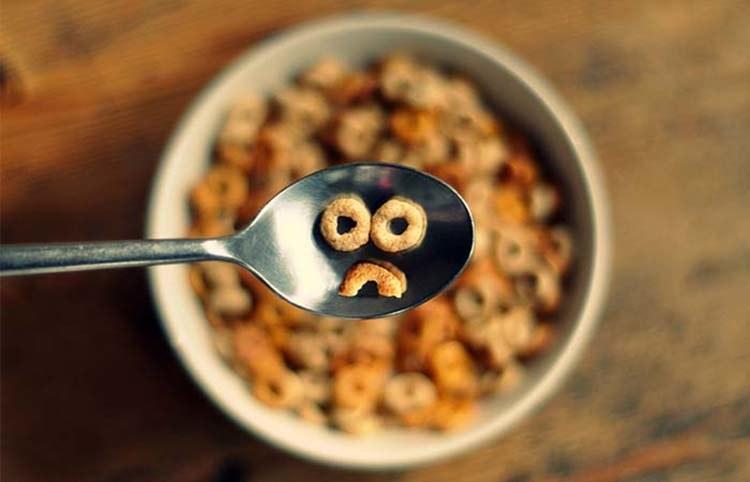 płatki śniadaniowe /© Photogenica