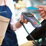 Płatności kartą zwiększają obroty małym sklepom