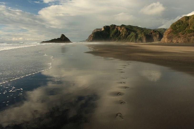 Plaża Karekare (Nowa Zelandia) /123RF/PICSEL